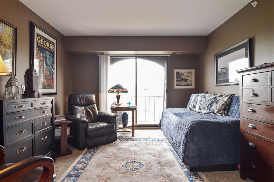 Real Estate Photography - 600 W. Russell St., 304, Barrington, IL, 60010 - Bedroom