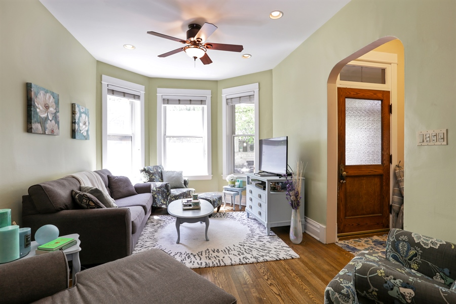 Real Estate Photography - 1310 W. Cornelia, Chicago, IL, 60657 - 1st floor living room