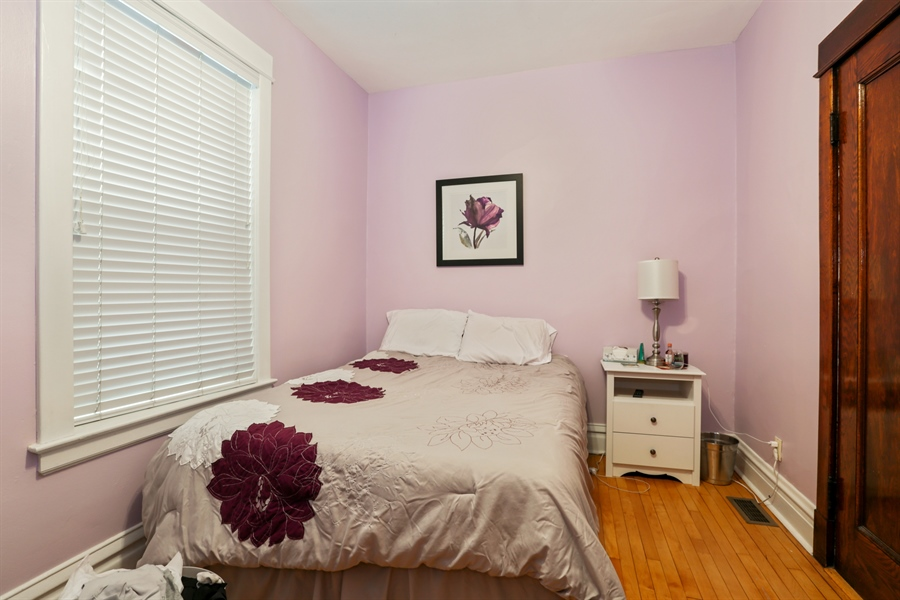 Real Estate Photography - 1310 W. Cornelia, Chicago, IL, 60657 - 1st flr Bedroom 1