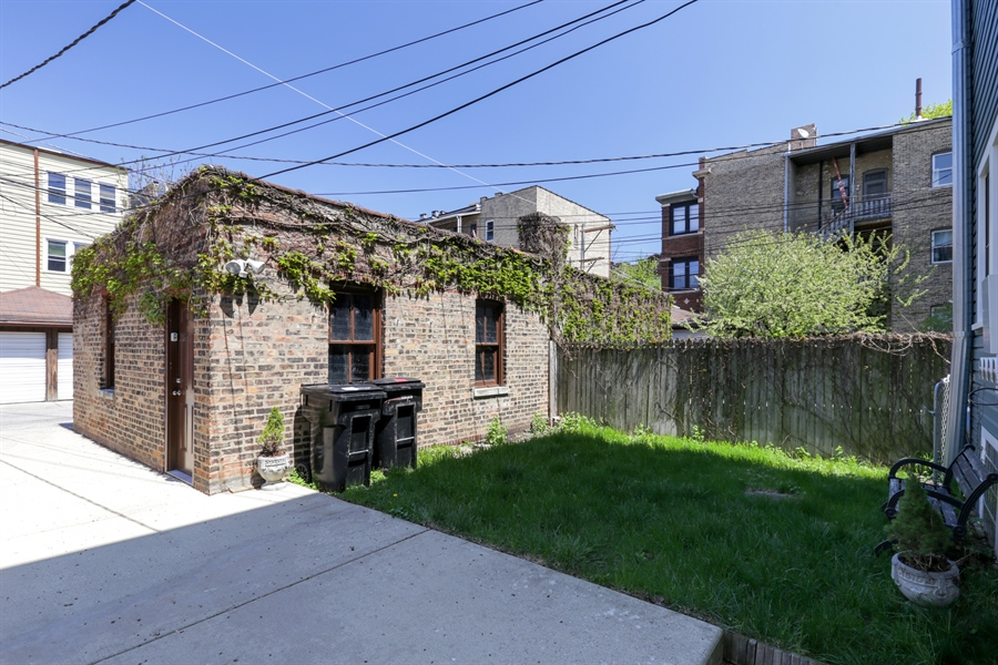 Real Estate Photography - 1310 W. Cornelia, Chicago, IL, 60657 - Back Yard