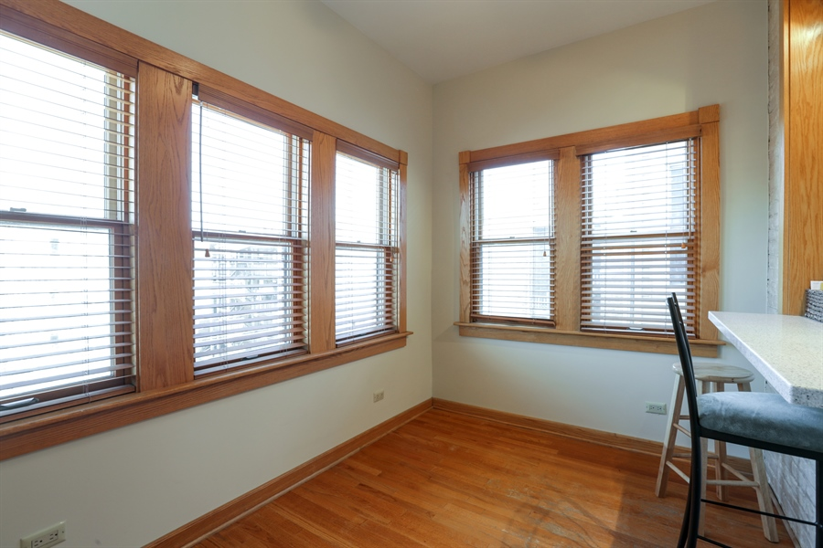Real Estate Photography - 1310 W. Cornelia, Chicago, IL, 60657 - Sun Room