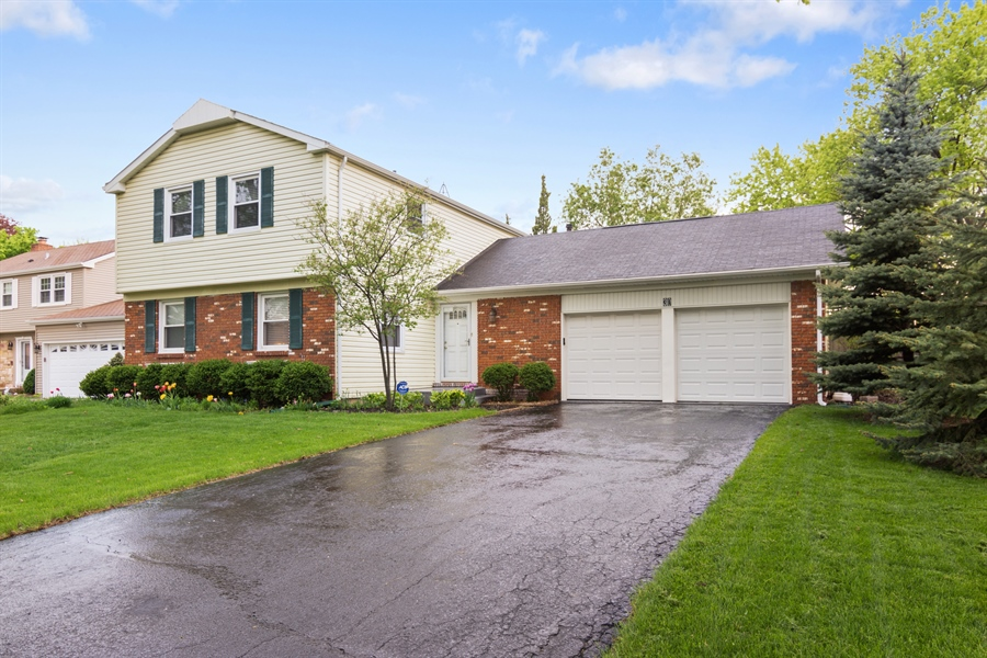 Real Estate Photography - 30 Timber Hill Road, Buffalo Grove, IL, 60089 - Front View