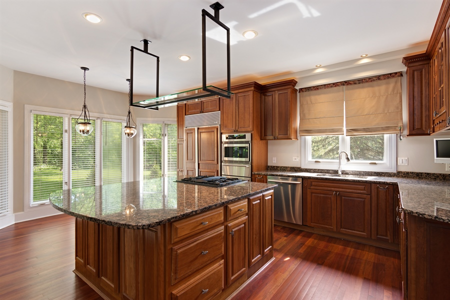 Real Estate Photography - 1040 West Bombay Way, Palatine, IL, 60067 - Kitchen / Breakfast Room