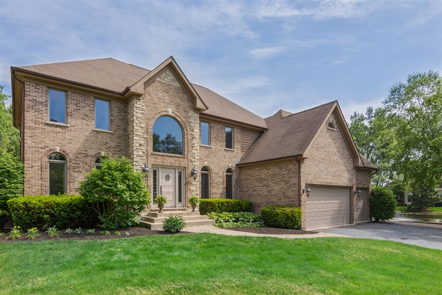 Real Estate Photography - 1040 West Bombay Way, Palatine, IL, 60067 - Front View