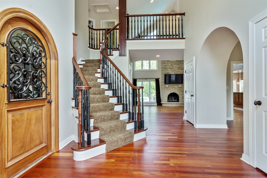 Real Estate Photography - 1040 West Bombay Way, Palatine, IL, 60067 - Entryway