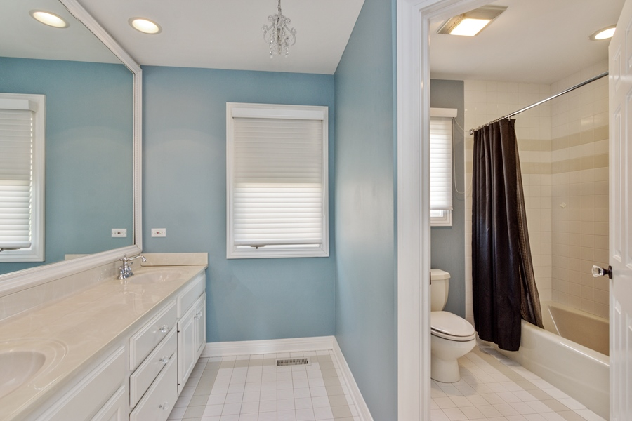 Real Estate Photography - 1040 West Bombay Way, Palatine, IL, 60067 - 2nd Bathroom