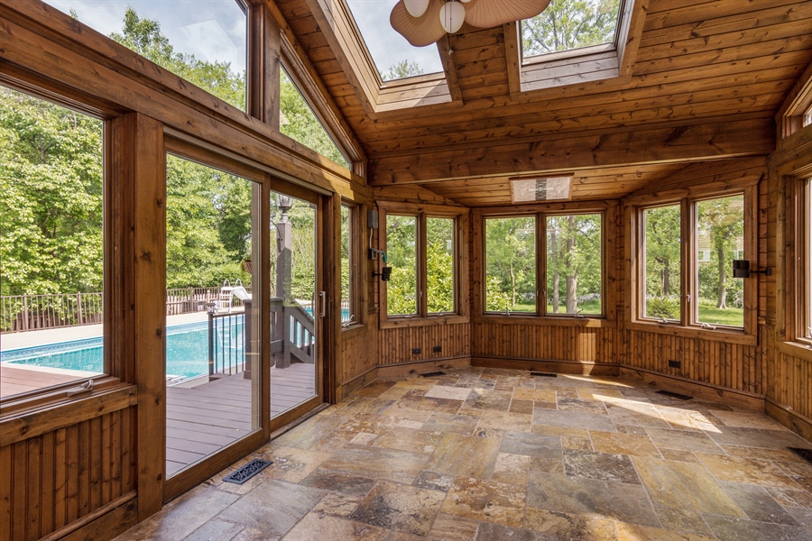 Real Estate Photography - 1040 West Bombay Way, Palatine, IL, 60067 - Sun Room
