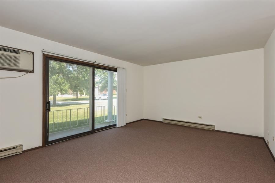 Real Estate Photography - 648 Pasadena, Beecher, IL, 60401 - Living Room