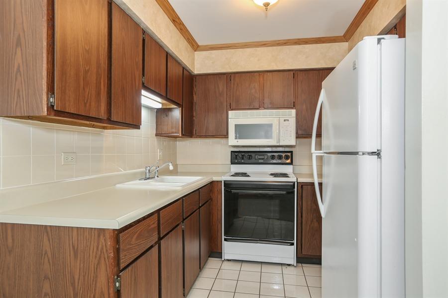 Real Estate Photography - 648 Pasadena, Beecher, IL, 60401 - Kitchen