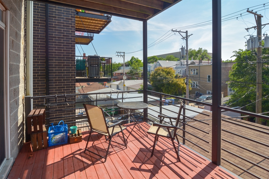 Real Estate Photography - 1942 N Francisco, Unit 2S, Chicago, IL, 60647 - Porch