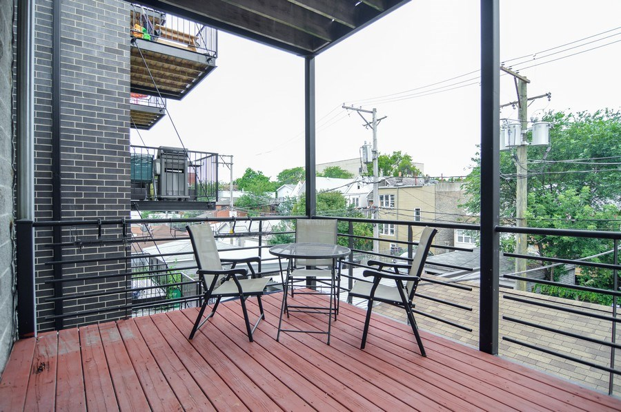 Real Estate Photography - 1942 N Francisco, Unit 2S, Chicago, IL, 60647 - Deck
