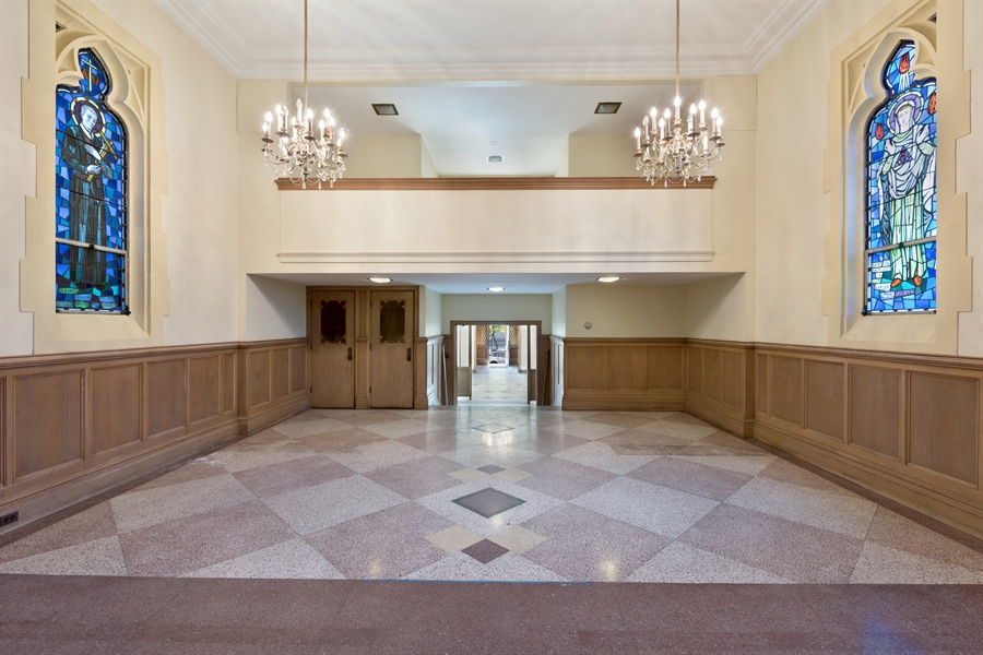 Real Estate Photography - 5526 N Magnolia, 1, Chicago, IL, 60640 - Location 2