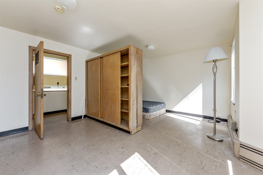 Real Estate Photography - 5526 N Magnolia, 1, Chicago, IL, 60640 - 2nd Bedroom