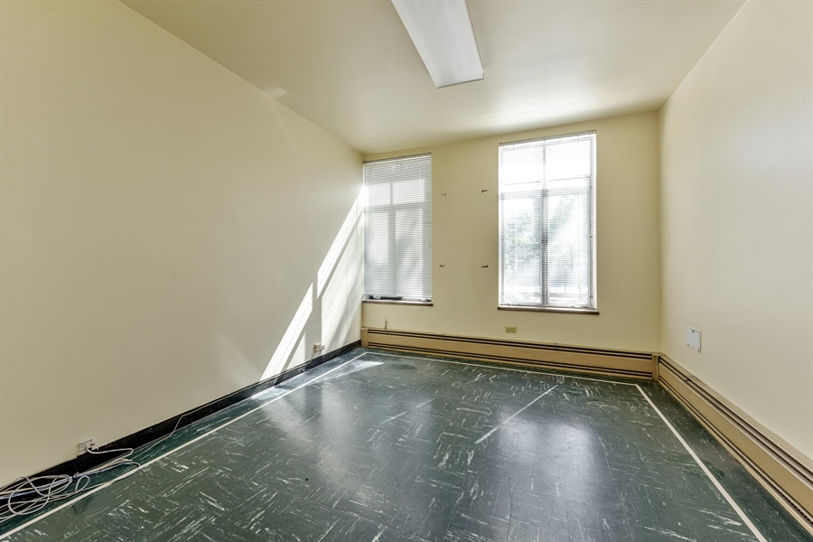 Real Estate Photography - 5526 N Magnolia, 1, Chicago, IL, 60640 - 5th Bedroom