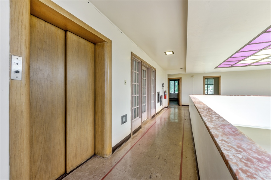 Real Estate Photography - 5526 N Magnolia, 1, Chicago, IL, 60640 - Hallway