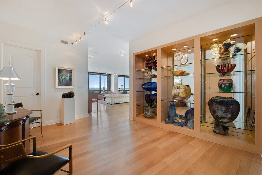 Real Estate Photography - 1040 N. Lake Shore Drive, 36BC, Chicago, IL, 60611 - Foyer