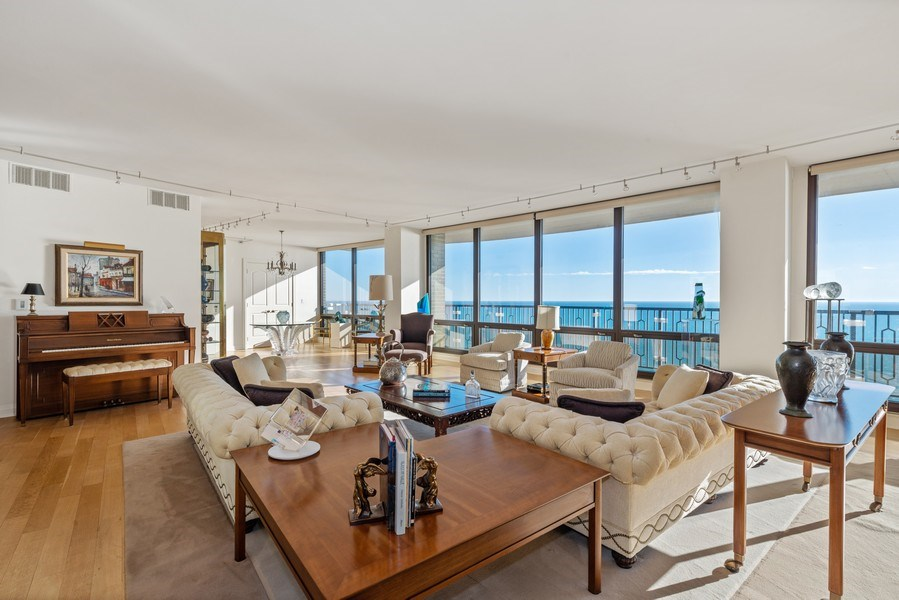 Real Estate Photography - 1040 N. Lake Shore Drive, 36BC, Chicago, IL, 60611 - Location 2
