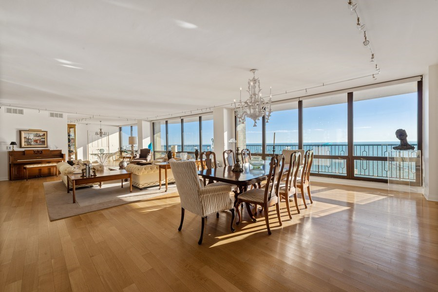 Real Estate Photography - 1040 N. Lake Shore Drive, 36BC, Chicago, IL, 60611 - Location 3