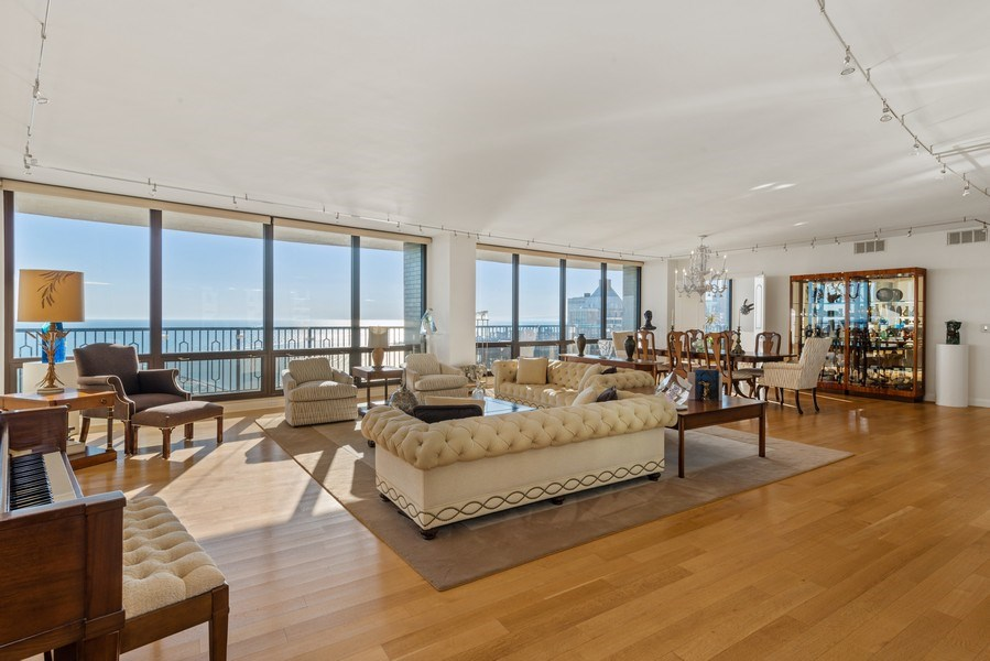 Real Estate Photography - 1040 N. Lake Shore Drive, 36BC, Chicago, IL, 60611 - Location 6