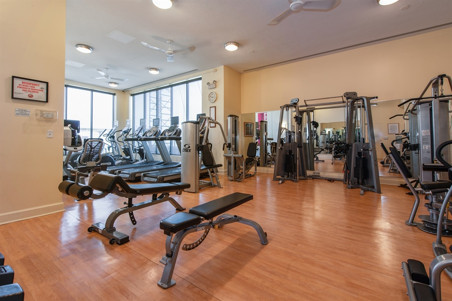 Real Estate Photography - 1040 N. Lake Shore Drive, 36BC, Chicago, IL, 60611 - Gym