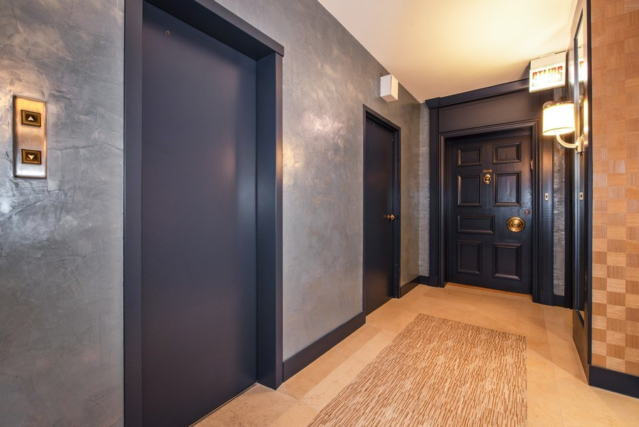 Real Estate Photography - 1040 N. Lake Shore Drive, 36BC, Chicago, IL, 60611 -