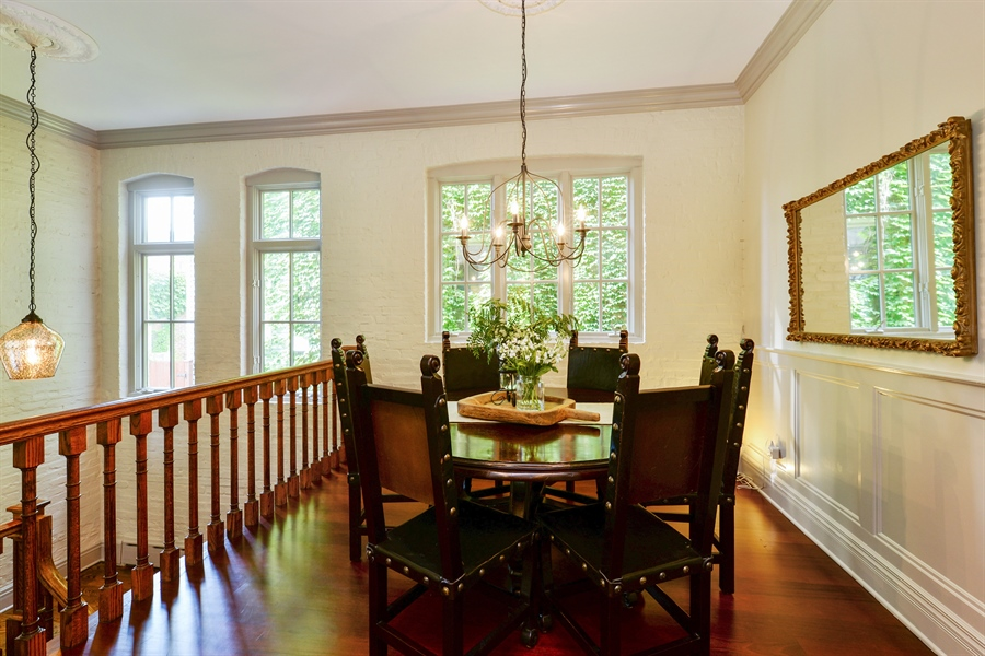Real Estate Photography - 3440 N Janssen Ave, Chicago, IL, 60657 - Breakfast room