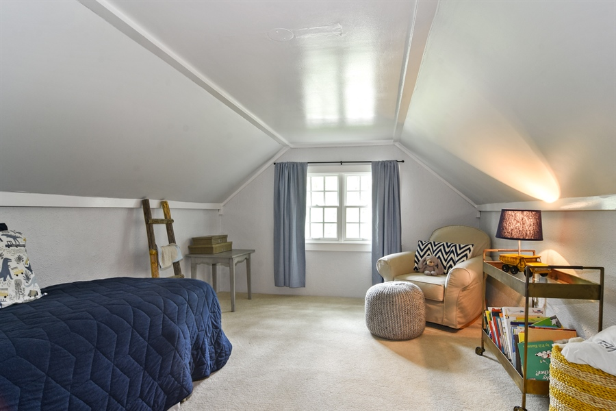 Real Estate Photography - 74 Meadow Hill Rd, Barrington Hills, IL, 60010 - 3rd Bedroom