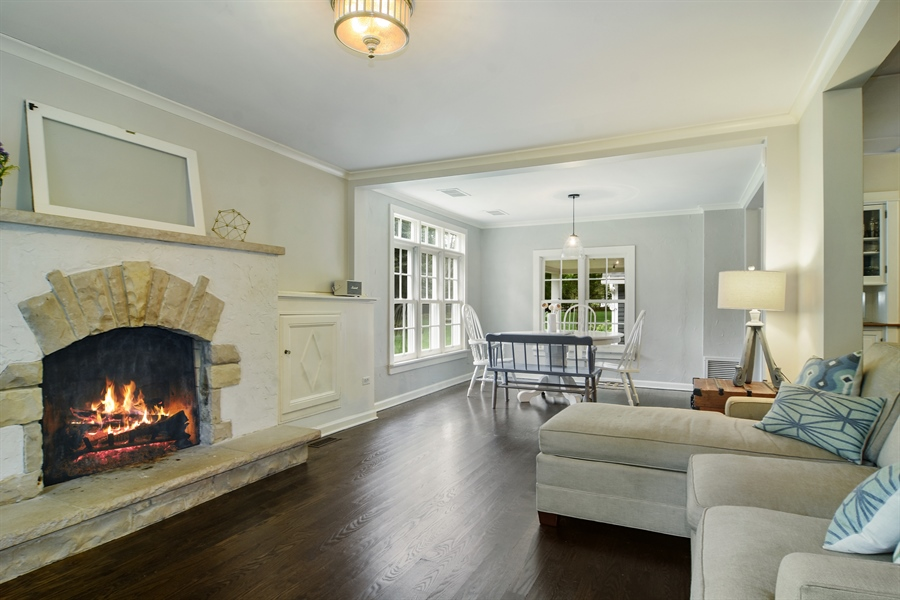 Real Estate Photography - 74 Meadow Hill Rd, Barrington Hills, IL, 60010 - Family Room