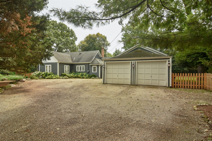 Real Estate Photography - 74 Meadow Hill Rd, Barrington Hills, IL, 60010 - Garage