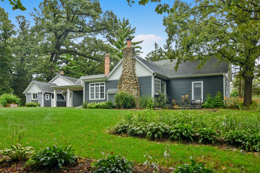 Real Estate Photography - 74 Meadow Hill Rd, Barrington Hills, IL, 60010 - Front View