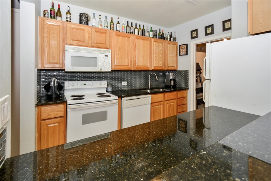 Real Estate Photography - 431 S Dearborn, 501, Chicago, IL, 60605 - Kitchen