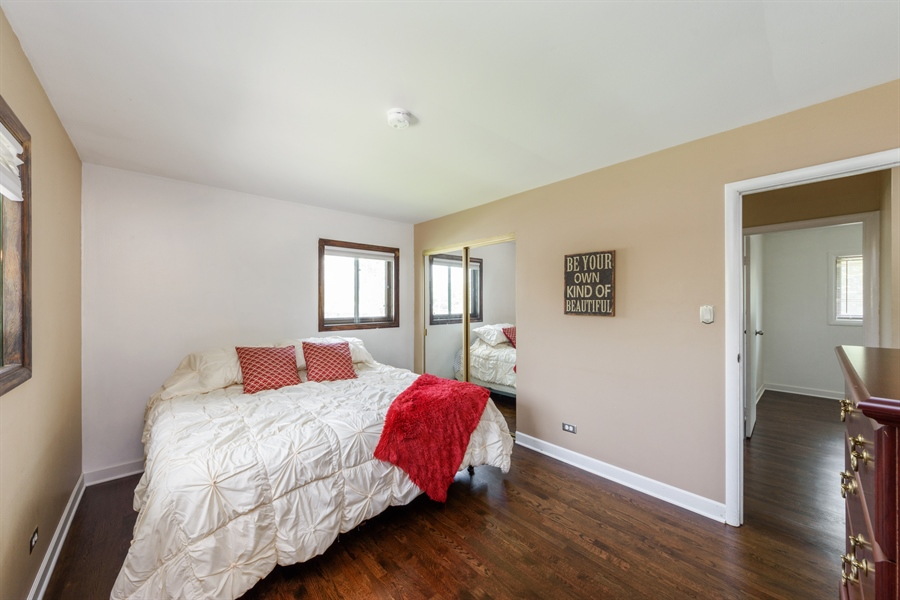 Real Estate Photography - 1450 Gentry, Hoffman Estates, IL, 60169 - Master Bedroom