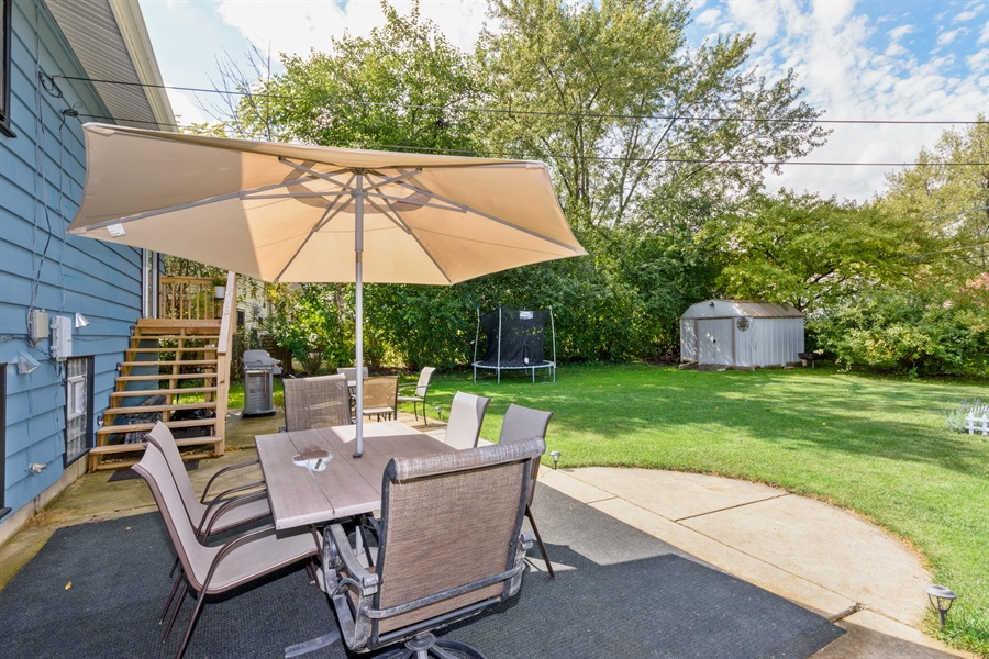 Real Estate Photography - 1450 Gentry, Hoffman Estates, IL, 60169 - Patio