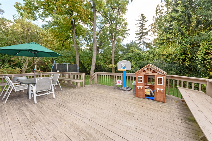 Real Estate Photography - 725 Chestnut, Bartlett, IL, 60103 - Deck