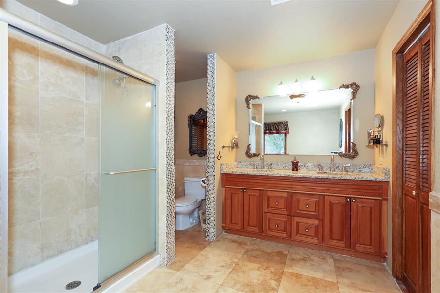 Real Estate Photography - 22W531 Balsam, Glen Ellyn, IL, 60137 - Master Bathroom