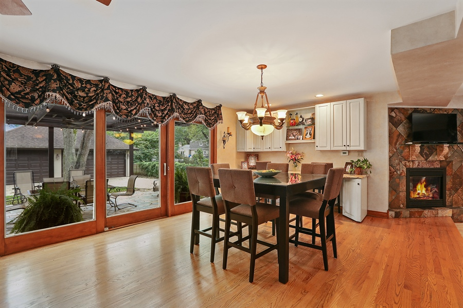 Real Estate Photography - 22W531 Balsam, Glen Ellyn, IL, 60137 - Dining Area