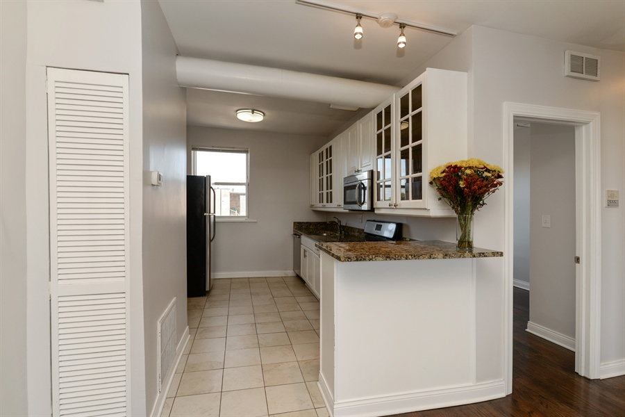 Real Estate Photography - 3555 W Lyndale, 3C, Chicago, IL, 60647 - Kitchen