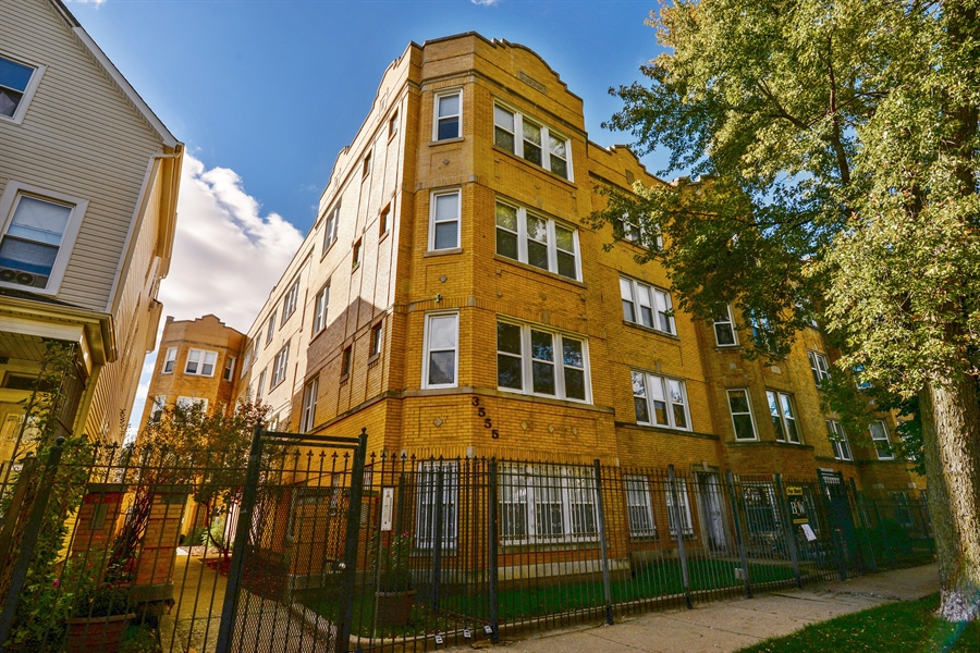 Real Estate Photography - 3555 W Lyndale, 3C, Chicago, IL, 60647 - Front View