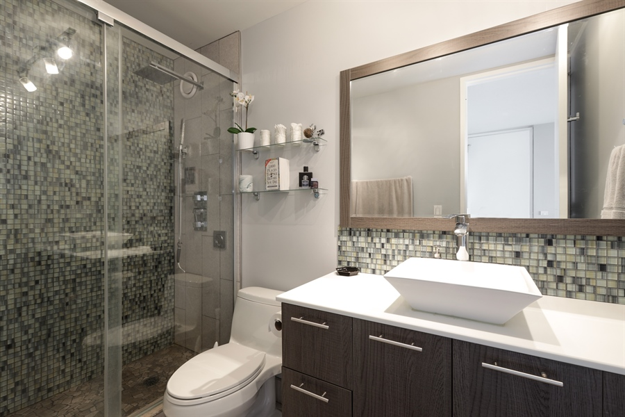 Real Estate Photography - 345 W Fullerton, 1301, Chicago, IL, 60614 - Master Bathroom