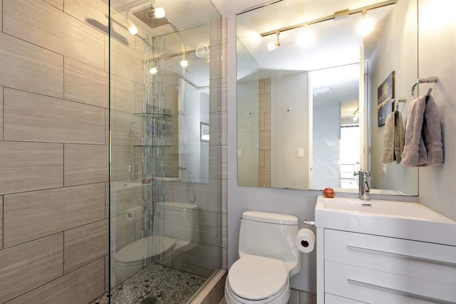 Real Estate Photography - 345 W Fullerton, 1301, Chicago, IL, 60614 - Bathroom