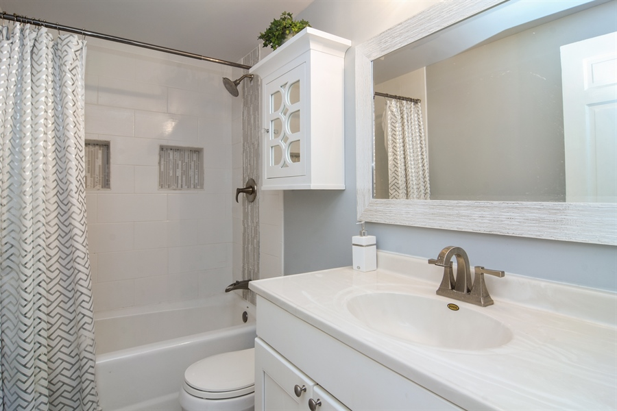 Real Estate Photography - 101 Howe Terrace, Barrington, IL, 60010 - Bathroom
