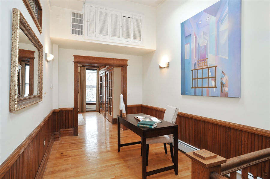 Real Estate Photography - 4113 N Kenmore, Chicago, IL, 60613 - Location 1