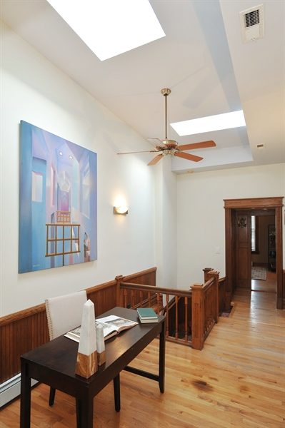 Real Estate Photography - 4113 N Kenmore, Chicago, IL, 60613 - Location 2