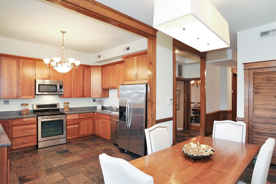 Real Estate Photography - 4113 N Kenmore, Chicago, IL, 60613 - Kitchen / Breakfast Room