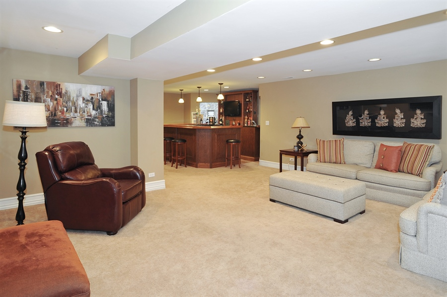 Real Estate Photography - 4113 N Kenmore, Chicago, IL, 60613 - Family Room