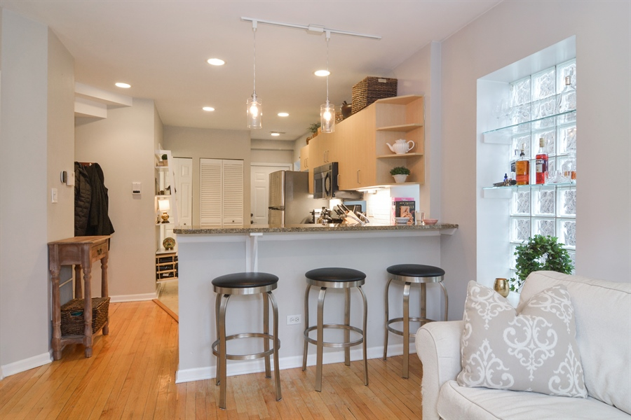 Real Estate Photography - 2215 N Bissell, 2A, Chicago, IL, 60614 - Kitchen / Breakfast Room