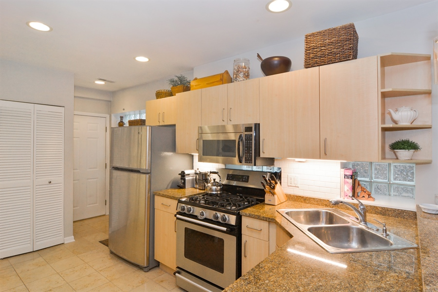 Real Estate Photography - 2215 N Bissell, 2A, Chicago, IL, 60614 - Kitchen