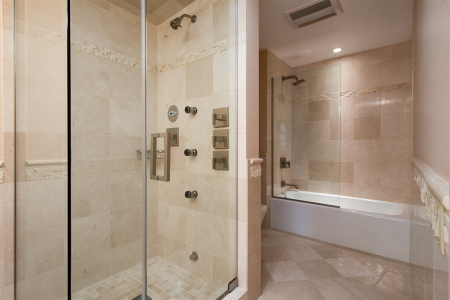 Real Estate Photography - 680 N Lake Shore Dr, 705, Chicago, IL, 60611 - Master Bathroom