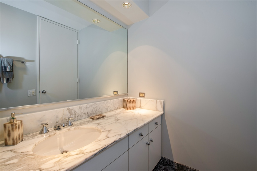 Real Estate Photography - 680 N Lake Shore Dr, 705, Chicago, IL, 60611 - Powder Room
