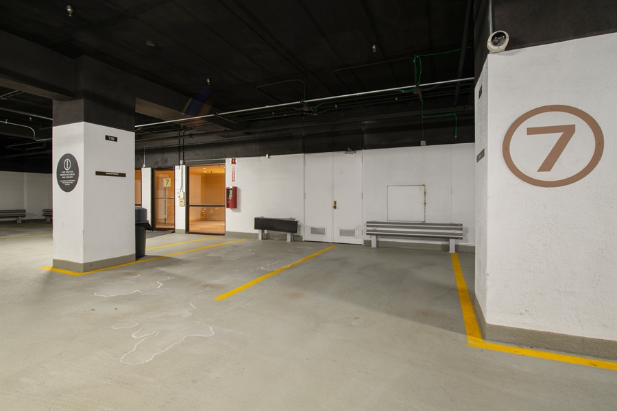 Real Estate Photography - 680 N Lake Shore Dr, 705, Chicago, IL, 60611 - Parking Garage